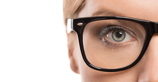 Crystal clear makeup tips for women with glasses beauty tips uniprix - Maquillage avec lunette ...