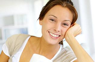 solutions pour liminer l 39 exc s de s bum au visage uniprix. Black Bedroom Furniture Sets. Home Design Ideas